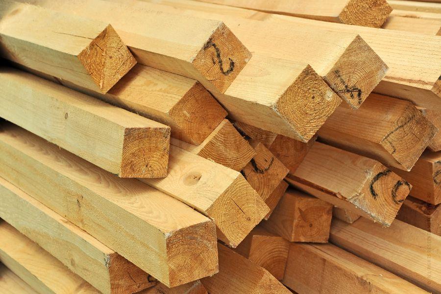 Дерево для обрешетки должно быть тщательно просушено и обработано антисептиком
