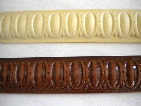 Фасадные элементы из пенополиуретана могут быть грунтованные или окрашенные