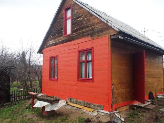 На фото пример применения резиновой краски для окрашивания фасада