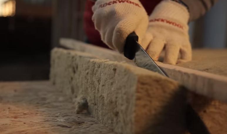 Резка плит минеральной ваты ножом
