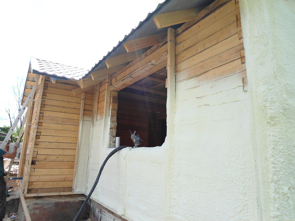 Утепление стен деревянного дома снаружи пенополиуретаном
