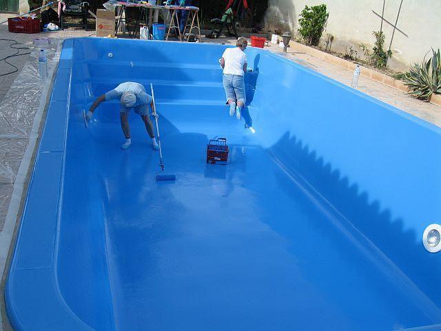 Водонепроницаемость резиновых красок сделала их практически незаменимыми при обустройстве домашних бассейнов