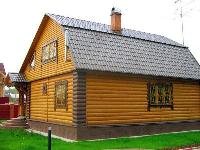 """Дом, отделанный вагонкой """"блок-хаус"""" с крепежом на кляймеры"""