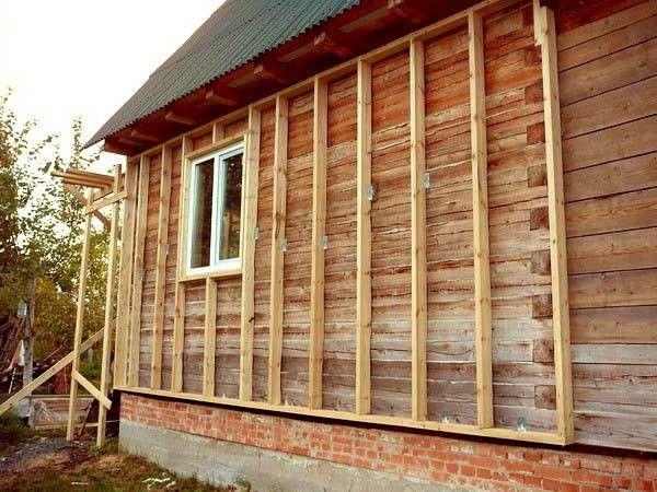Деревянная обрешетка здания