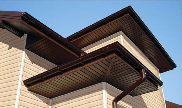 Карниз крыши дома