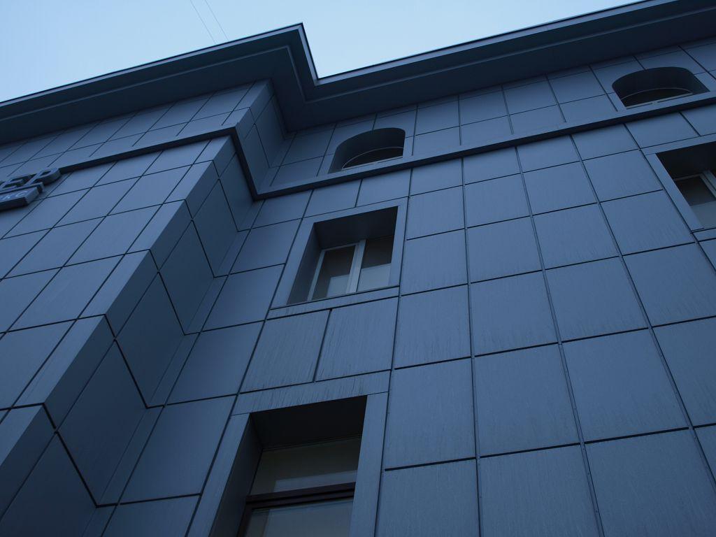 металлические изделия определённой геометрической формы с антикоррозийным декоративным покрытием