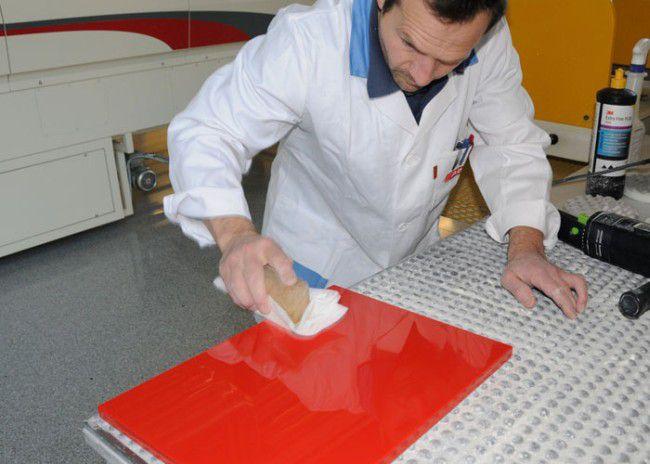 Окрашенная полированная плита МДФ