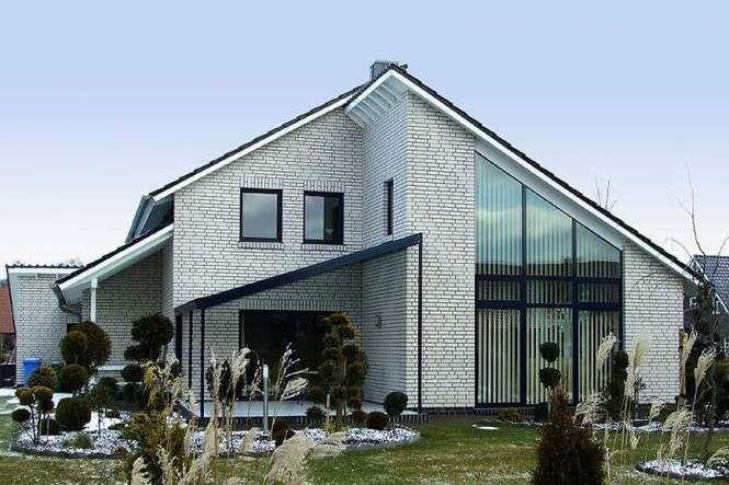 Окрашенный кирпичный фасад