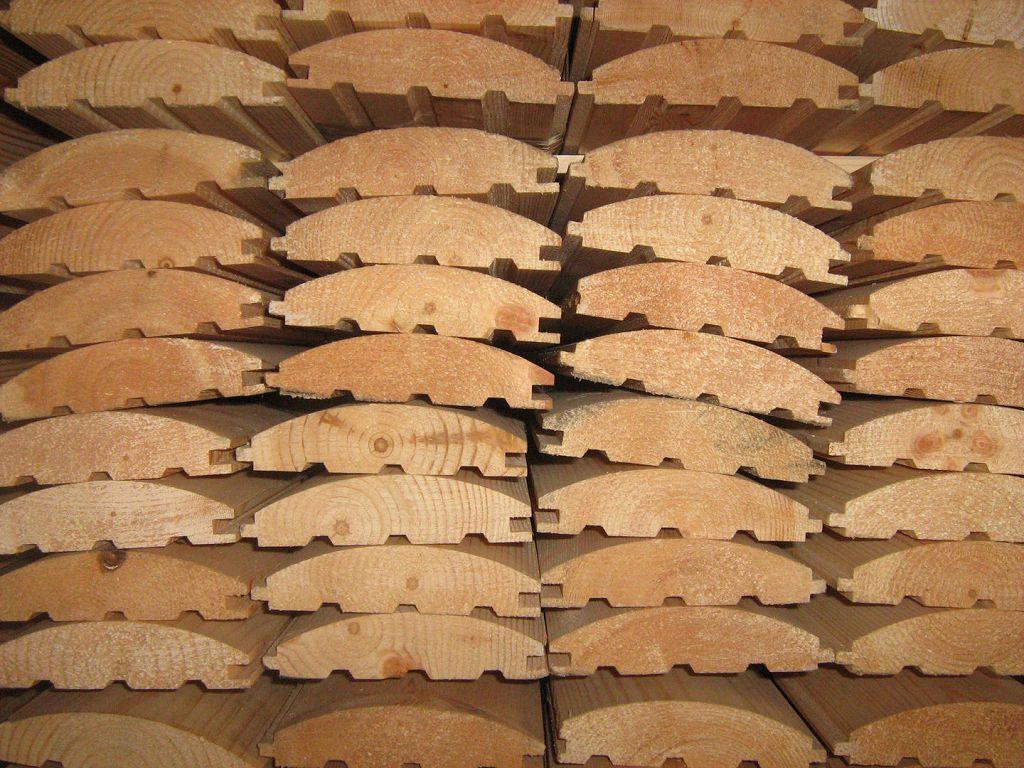 Цена на блок хаус из лиственницы достаточно высокая, если сравнивать с изделиями из других пород дерева