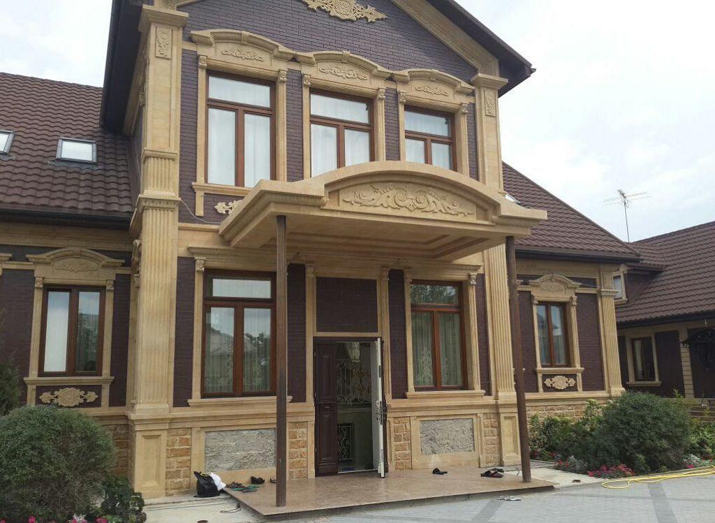 Дом с пилястрами