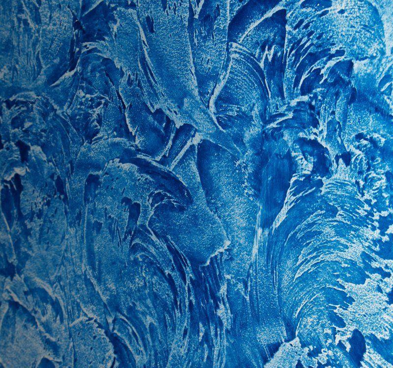Интересное сочетание белой и голубой краски
