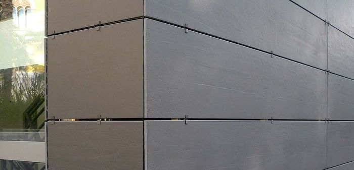 Керамогранит для фасада на данный момент - самое прочное решение по облицовке зданий