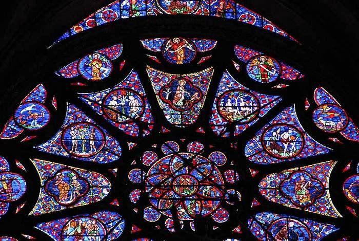 Ключевой момент готической архитектуры – свет, вечно льющийся Божественный свет – символ просветления и мудрости