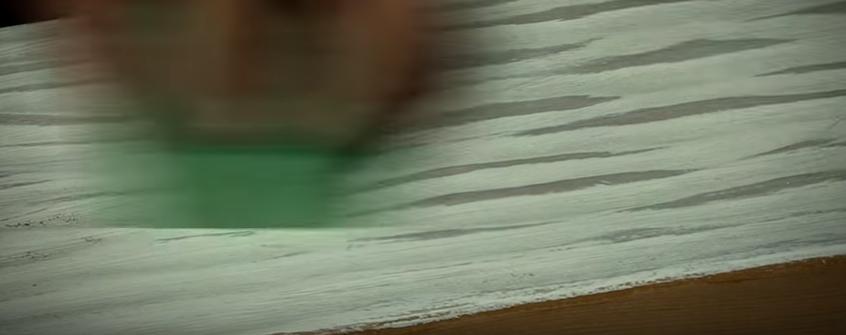 Шлифовка подчеркивает рельеф древесины