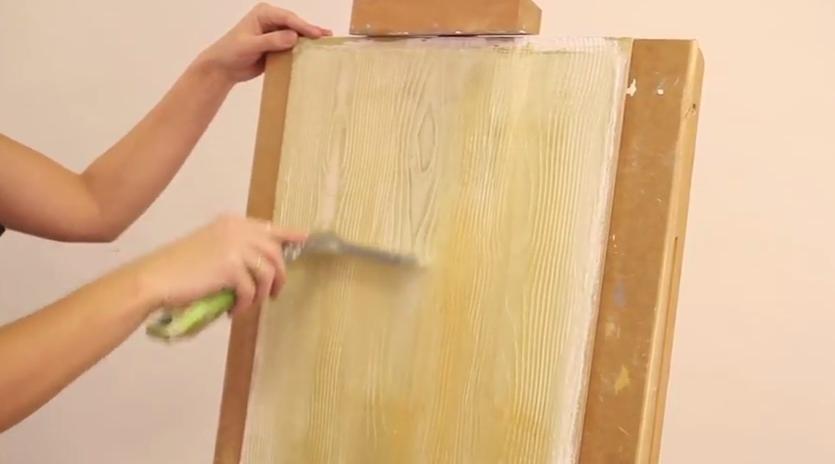Снимаем верхний слой краски