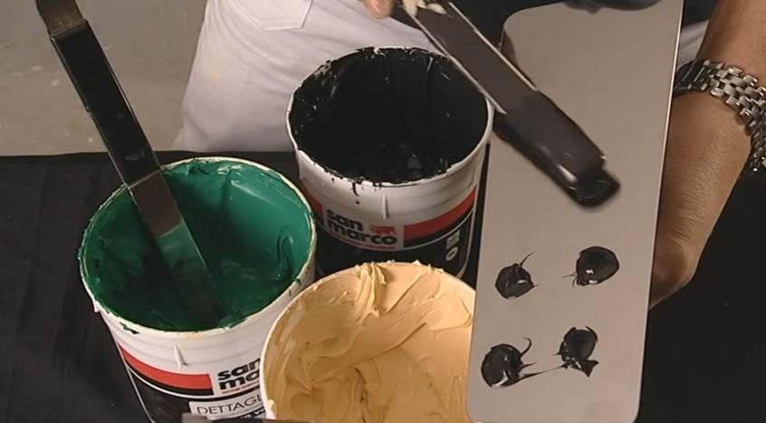 Так набирают состав для многоцветного покрытия