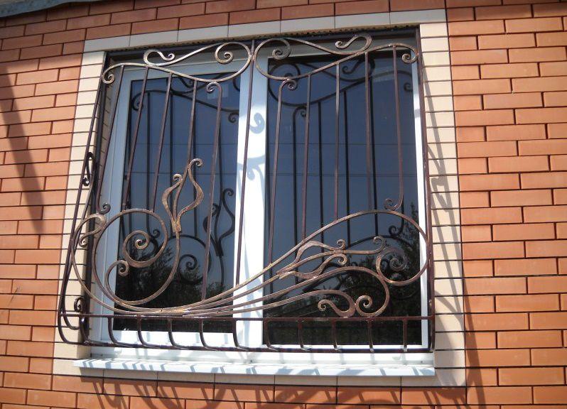 Защита окна решеткой