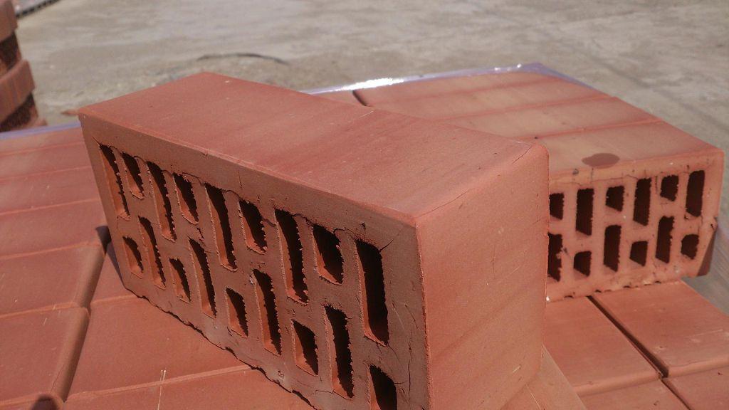 Кирпич керамический утолщенный 250*120*88 мм, М-150, F 50