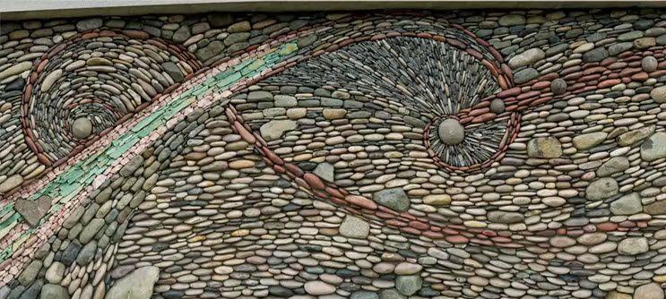Каменная мозаика на фасаде