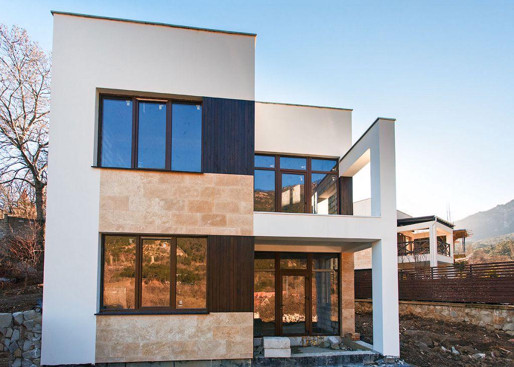Контрастная отделка фасада