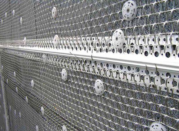 Монтаж металлической фасадной сетки