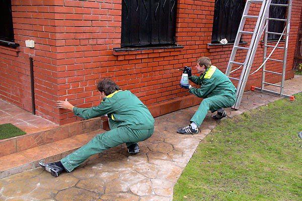 Очистка стен дома