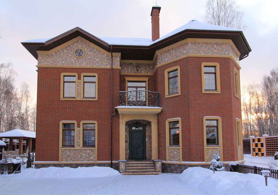 Отделка фасада дома мозаикой