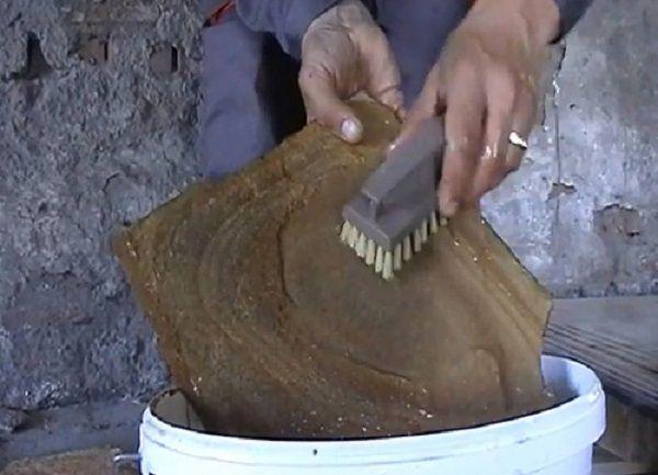 Перед укладкой камень следует помыть от пыли
