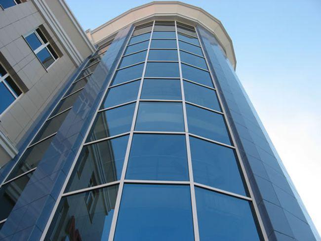 Полуструктурные фасады из алюминиевого профиля