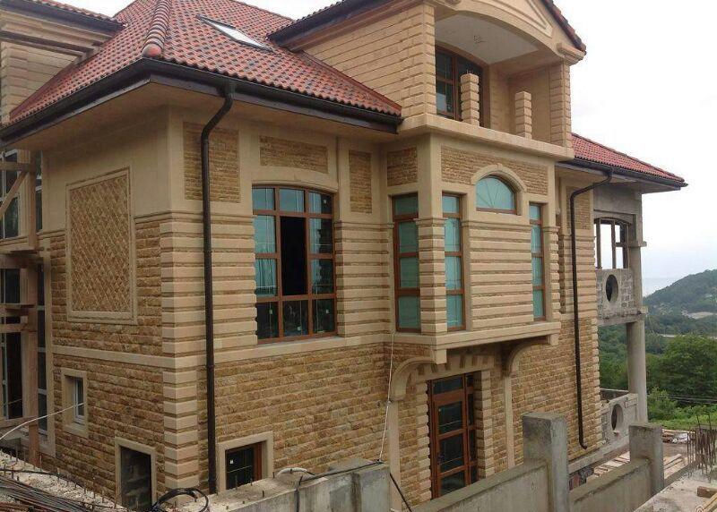 Пример отелки дома дагестанским камнем