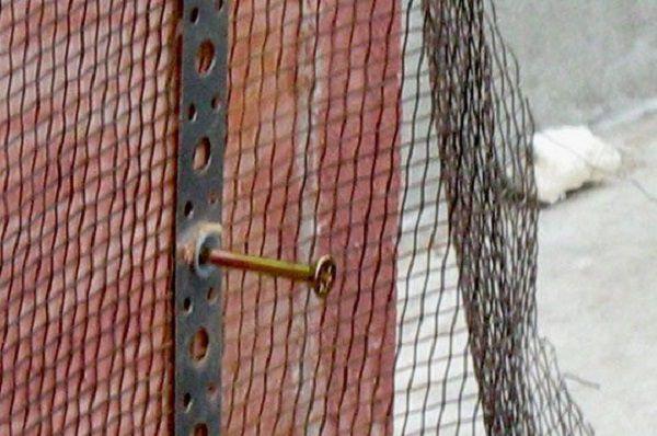 Вариант фиксации металлической армирующей сетки