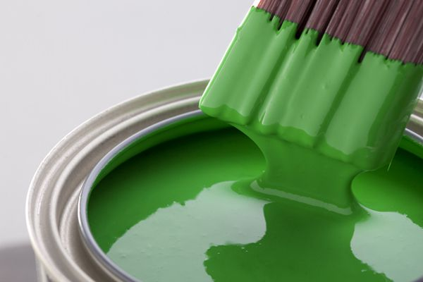 Яркая зеленая краска акриловая