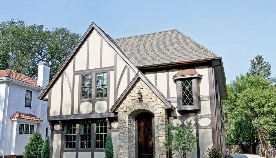 Крыша серого цвета на доме в немецком стиле