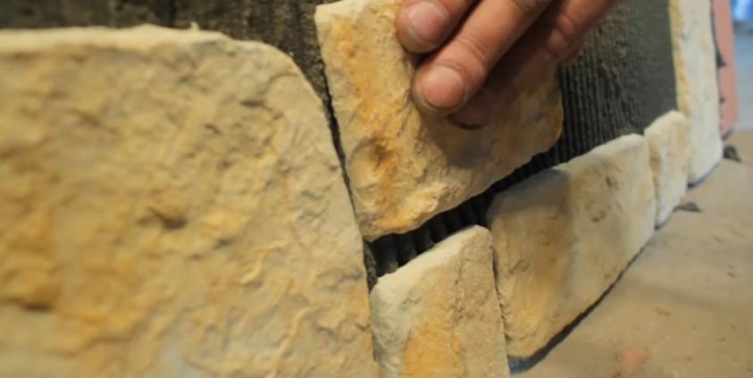 Приклеивание камня