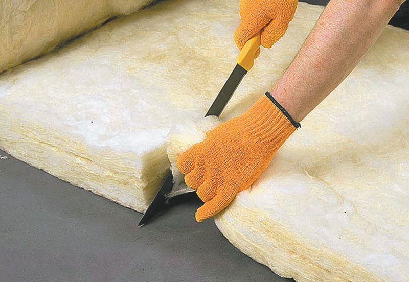 Работа со стекловатой допустима только в перчатках