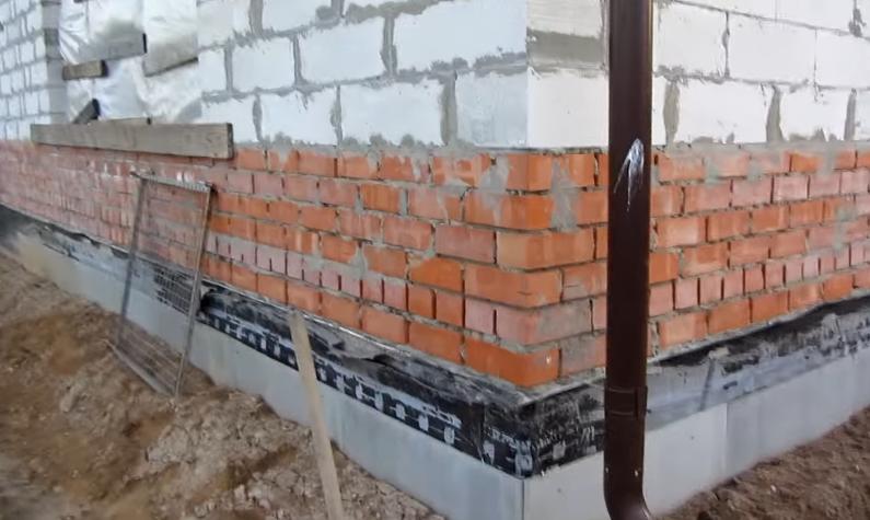 Стена дома до утепления
