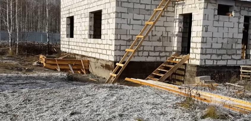 Фасад дома до утепления и отделки