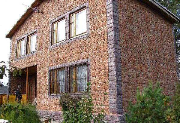 Фасад, отделанный плиткой с креплениями