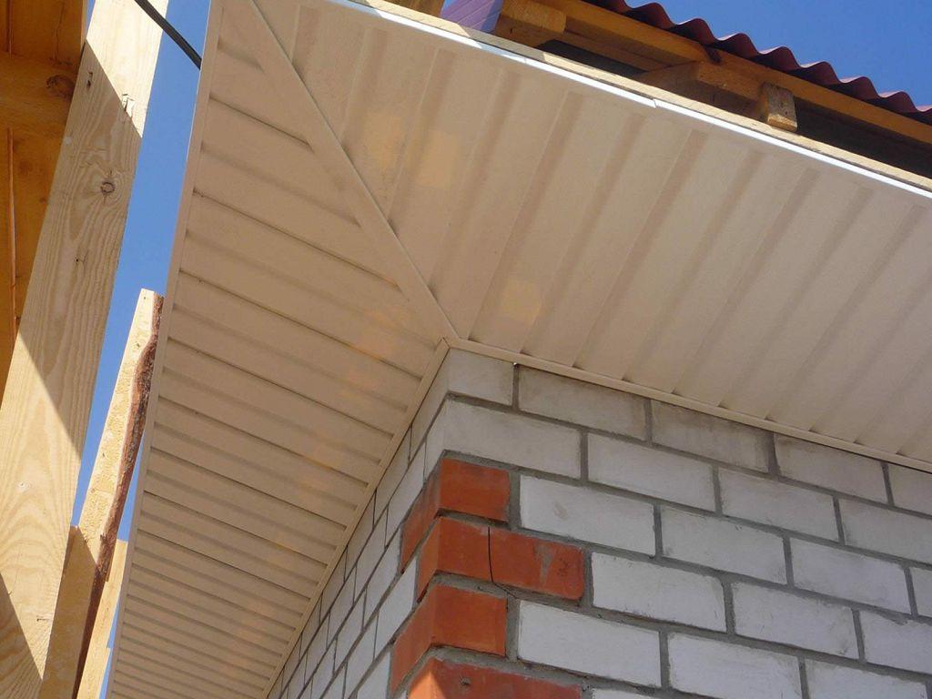 Ворота с крышей из профнастила фото стал для