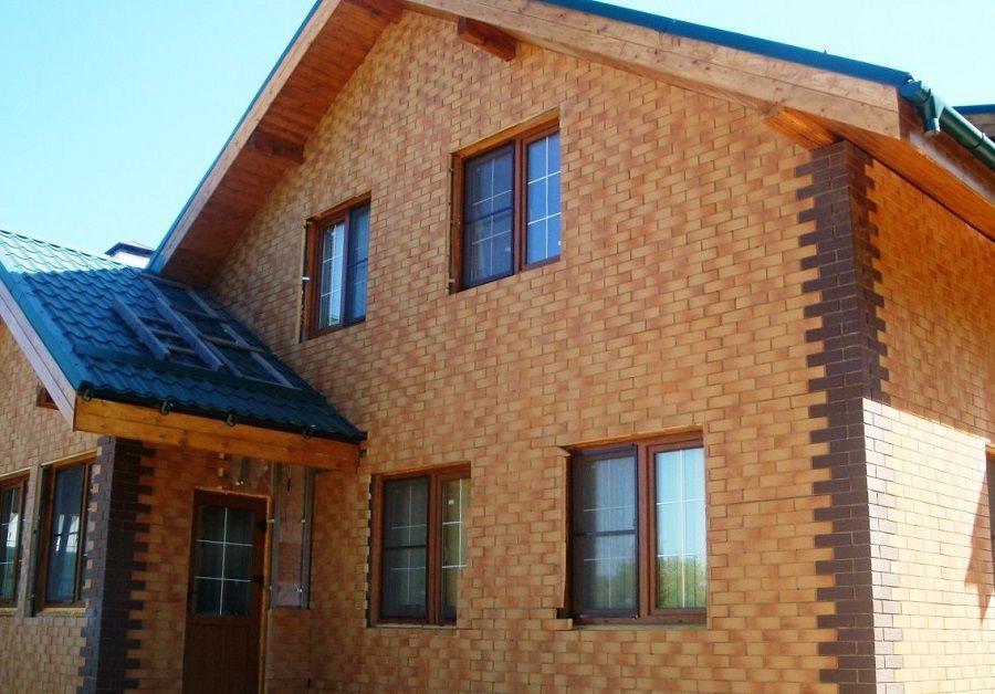 С помощью фасадных термопанелей под камень или кирпич можно создать практически идеальную облицовку фасада