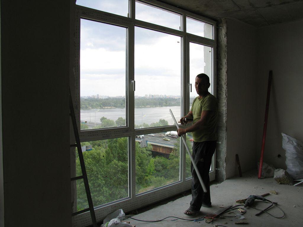 Установка панорамного окна в новостройке