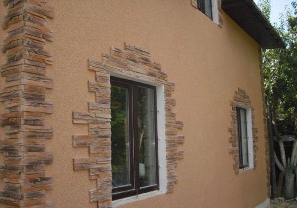Фасад, отделанный минеральной штукатуркой