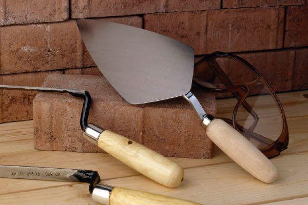 Инструмент для затирки швов кирпичной кладки