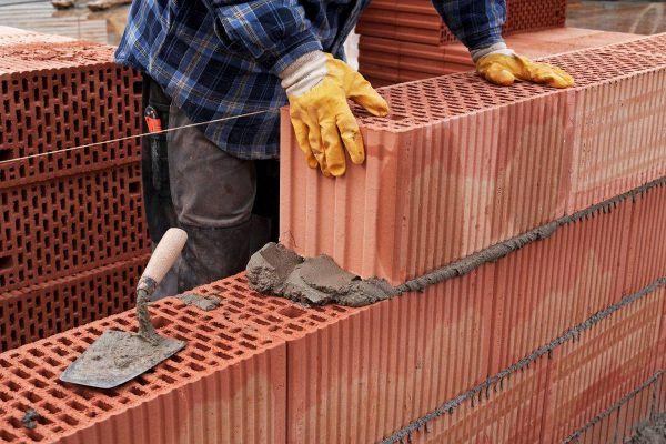 Кладка стены из керамических блоков