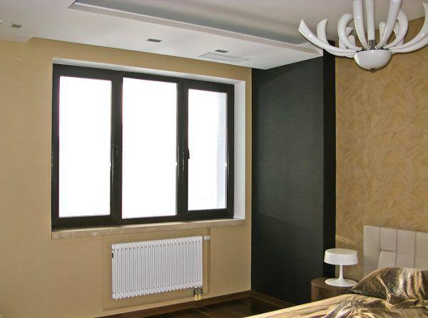 Ламинированные окна в спальне