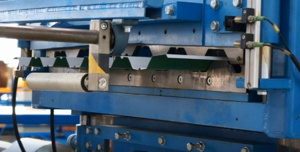 Нанесение краски и защитного покрытия на лист профнастила