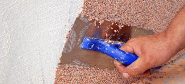 Нанесение минеральной фасадной штукатурки