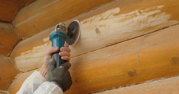 Шлифовка стен деревянного дома