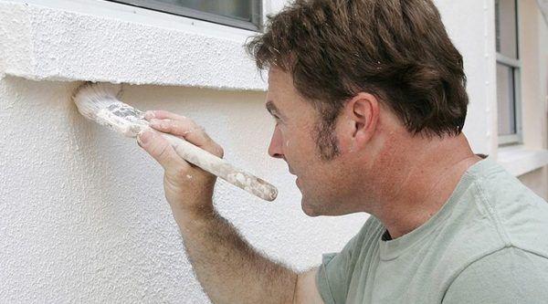 Существует специальная латексная краска для фасадов