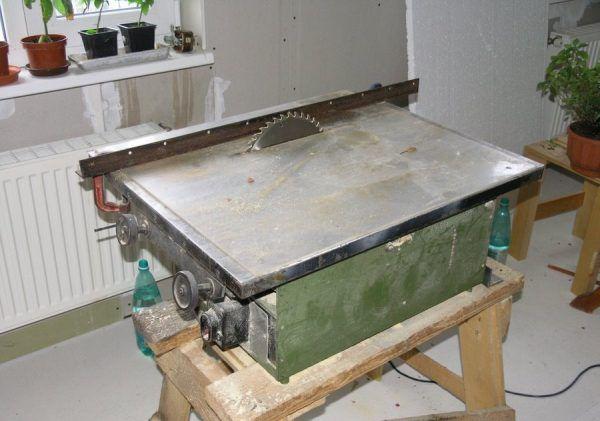Универсальный деревообрабатывающий станок